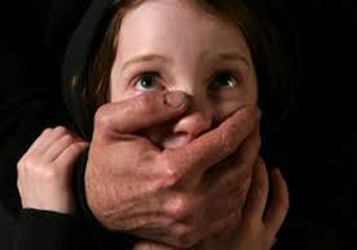 القبض على شخصين اغتصبا طفلة