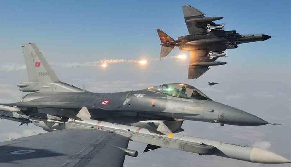 مقاتلات تركية تعترض طائرة حربية روسية انتهكت المجال الجوي التركي