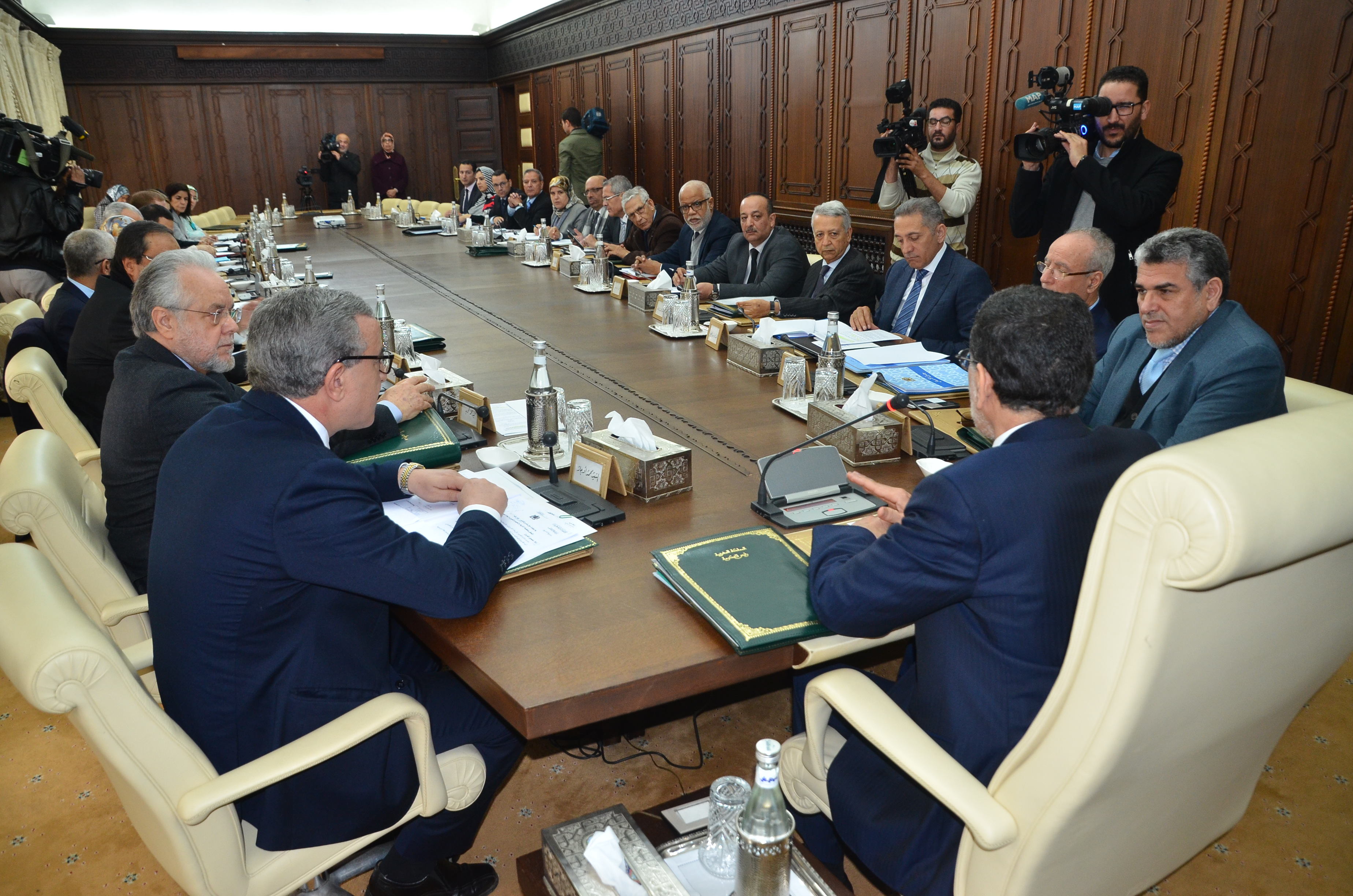العثماني: سنتخذ الإجراءات اللازمة بمجرد التوصل بتقرير اللجنة الاستطلاعية حول تحرير المحروقات