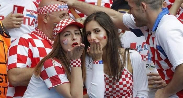 مونديال 2018: تدفق كبير للمشجعين في المعابر الحدودية البولونية