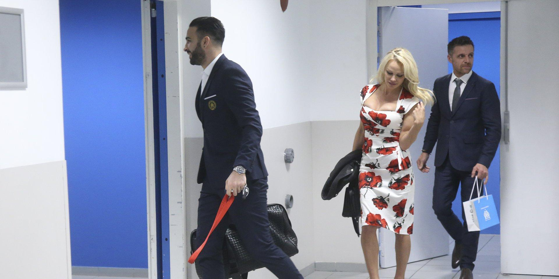 باميلا اندرسون ترفض الزواج من المغربي عادل رامي