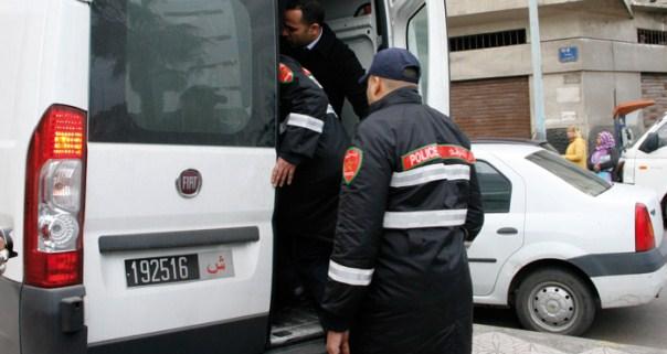 القبض على خارقين للطوارئ الصحية وحجز أختام إدارية ووثائق سيارات