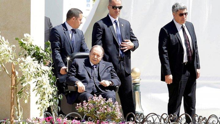 """بوتفليقة الرئيس الذي حكم الجزائر طيلة 20 عاما و""""أسقطه"""" الحراك الشعبي"""