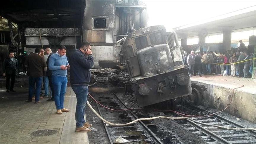 شجار بين سائقي قاطرتين كان السبب في وقوع حادث محطة قطارات القاهرة