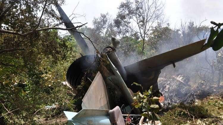 سقوط طائرة جزائرية ووفاة قائدها (فيديو)