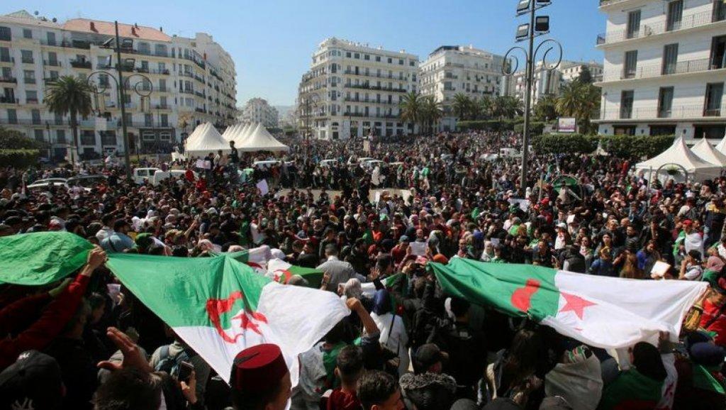 نقابات جزائرية ترفض العمل مع رئيس الوزراء لتشكيل حكومة جديدة