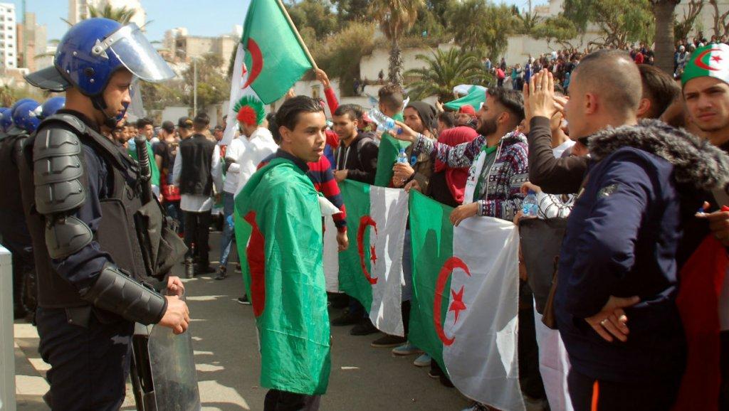 حكم قاس بالسجن على الصحافي الجزائري خالد درارني