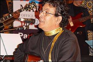الراحل حسن ميكري الملحن والموسيقار الذي اعطى نفسا للأغنية المغربية