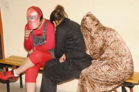 عصابة نساء تتاجر بالبشر