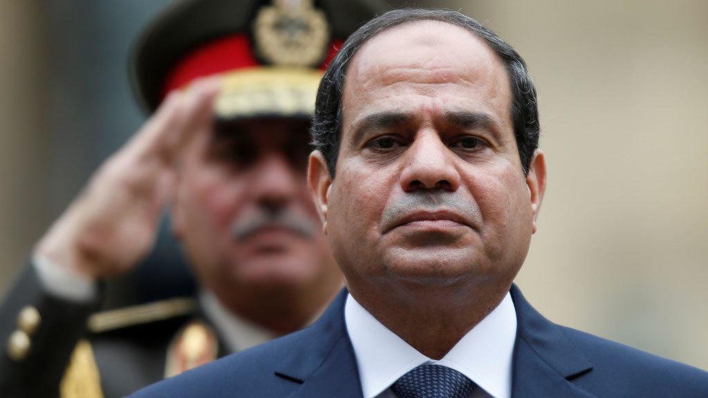 """تظاهرات محتملة ضد السيسي والرئيس يطمئن.. """"لا داعي للقلق"""""""