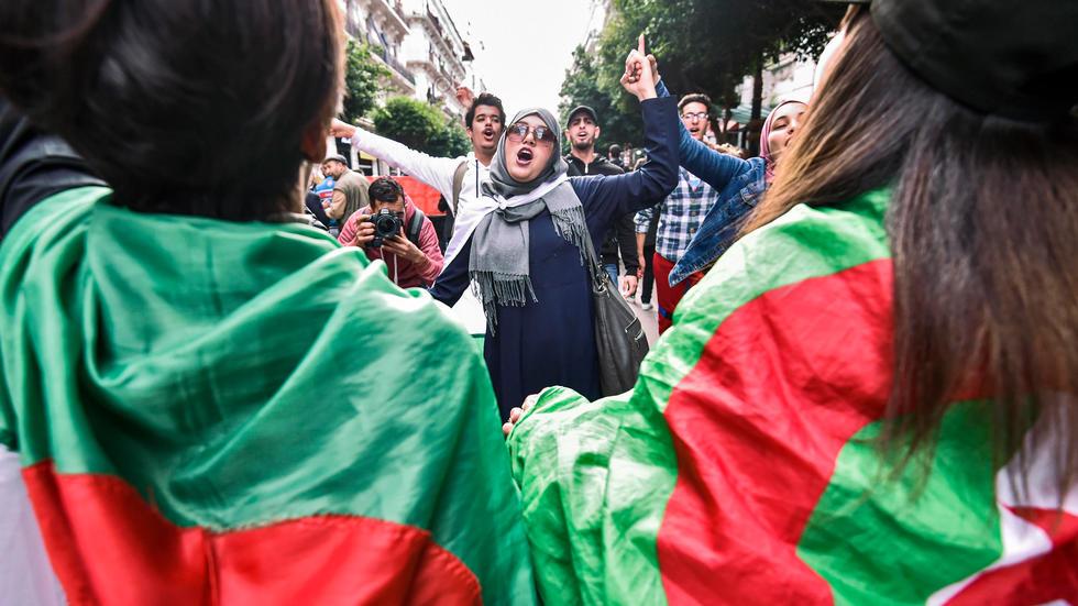 كورونا لم توقف الملاحقات القضائية ضد المعارضين في الجزائر
