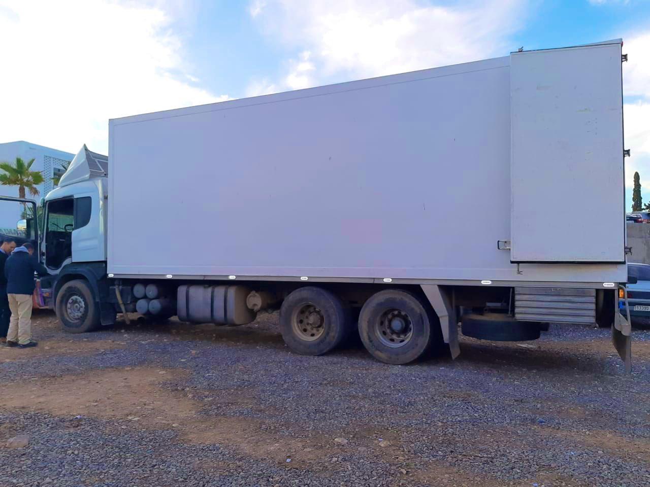 أكادير.. حجز طن و770 كيلوغراما من الحشيش بشاحنة