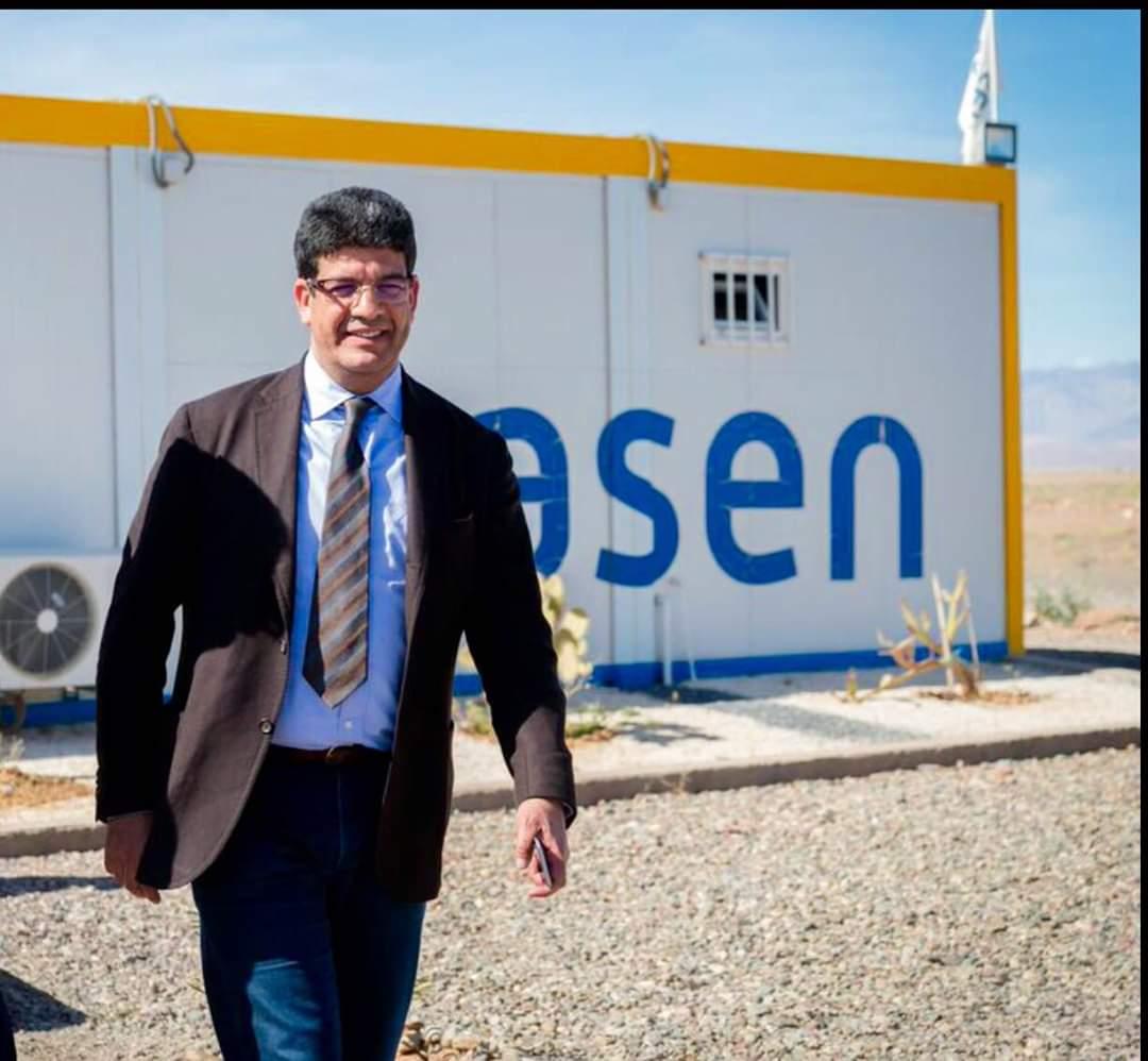 """مجلة فرنسية: """"نور 3"""" أكبر وأقوى برج للطاقة الشمسية في العالم"""