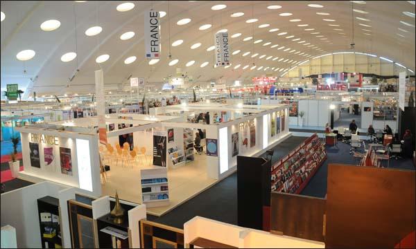 """""""الهاكا"""" تعرف بتقنين الإعلام بالمعرض الدولي للنشر والكتاب"""