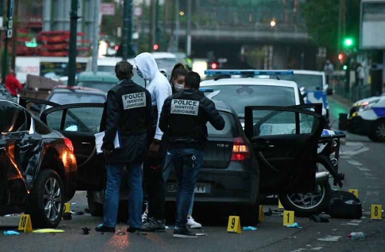 """سائق سيارة يدهس شرطيَّين في باريس في هجوم متعمّد """"انتقاما لفلسطين"""""""