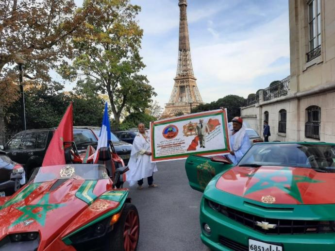 قافلة بالسيارات لدعم الحكم الذاتي بالصحراء المغربية تصل إلى باريس