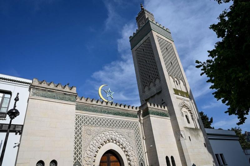 فرنسا.. اتفاق يؤكد توافق الدين الإسلامي مع العلمانية والمساواة