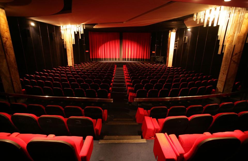 دور السينما المهجورة: ثلاث أسئلة للكاتب والباحث الجامعي عز الدين بونيت